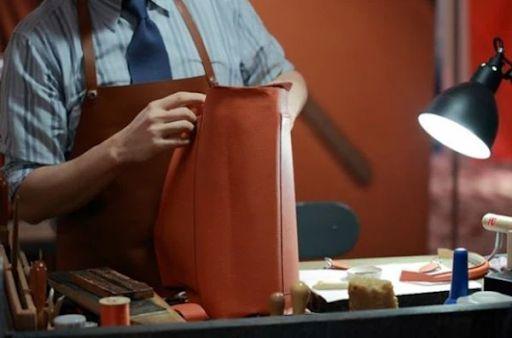 Hermes chỉ thuê 200 thợ thủ công làm việc mỗi năm Hình 5: Hermes chỉ thuê 200 thợ thủ công làm việc mỗi năm