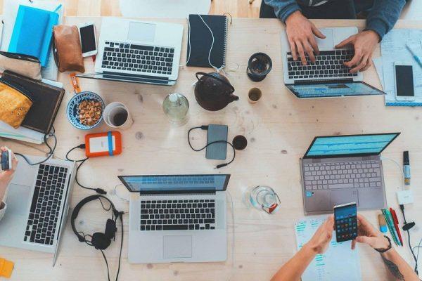 Quản lý khách hàng và dự án