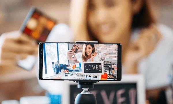 Livestream đang trở nên thịnh hành trong thời gian gần đây