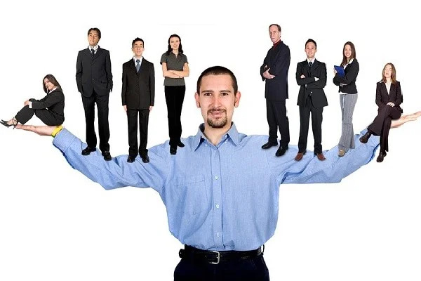 Hình 3: Một manager tốt sẽ hỗ trợ nhân viên phát triển kỹ năng để tự giải quyết các tình huống thử thách